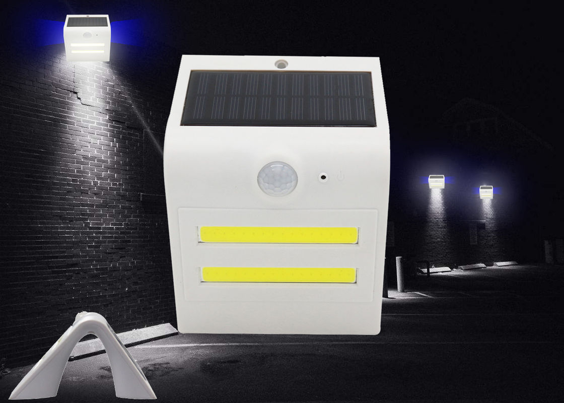 IP65 Waterproof Solar LED Lights COB 6000K Wireless Installation 13.6*9.5*8.3cm