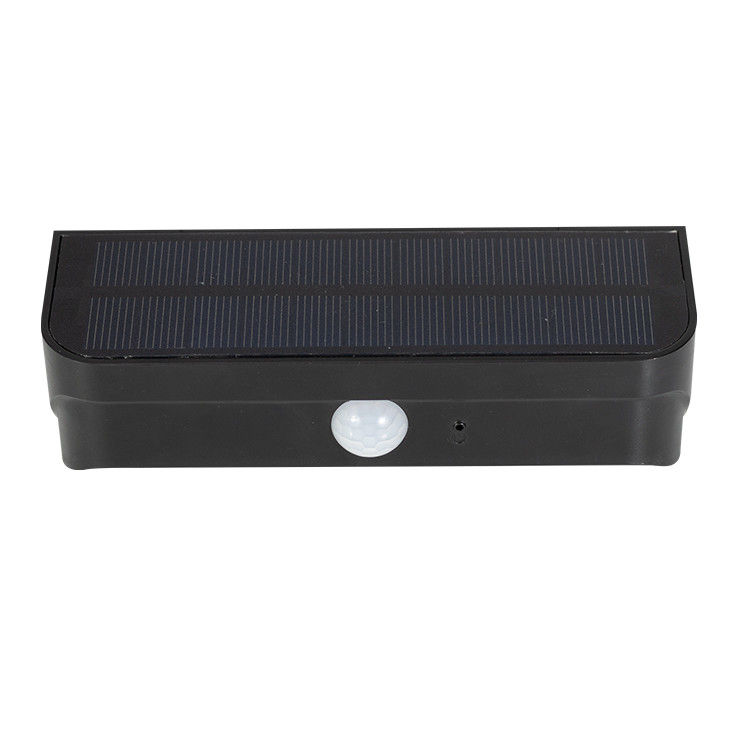 Outdoor LED Solar Motion Light Waterproof IP65 150lm Luminous Flux 2 Years Warranty