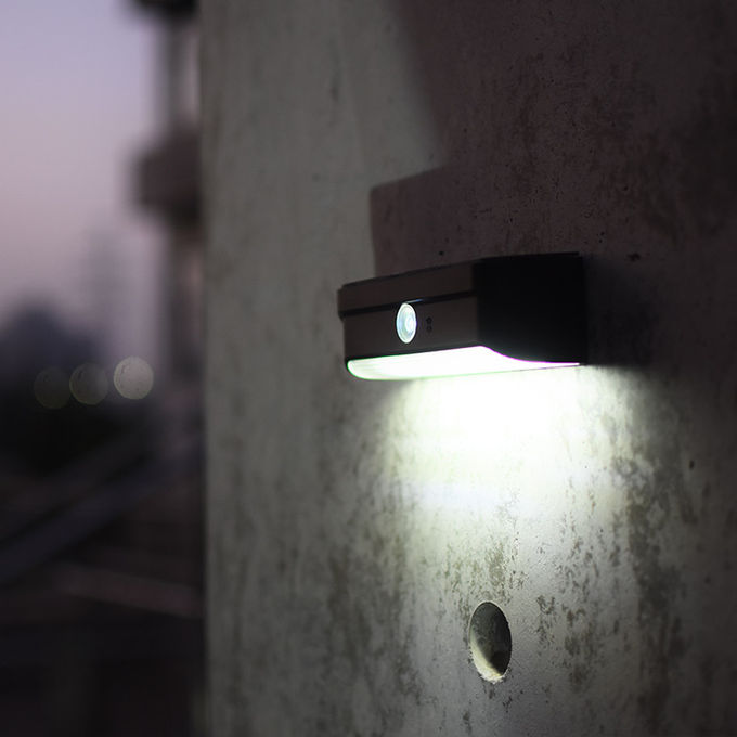 2 Warranty (Year) and LED Light Source All in One Solar LED Street Light